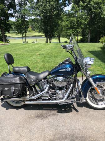 Photo 2002 Heritage Softail Classic - $7200 (Westtown)