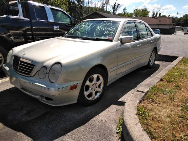 Photo 2002 Mercedes e320 - $2,500 (New windsor near WalmartStewart airport)