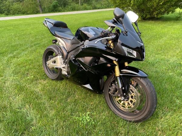 Photo 2012 HONDA 600RR - $7,500