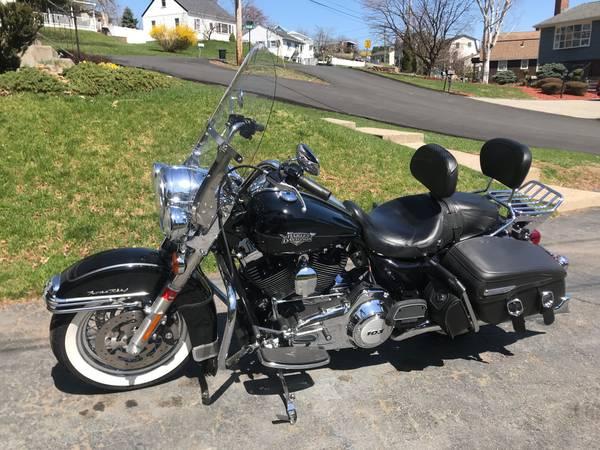 Photo 2012 Harley-Davidson Road King Classic - $8,000 (Stony Point)