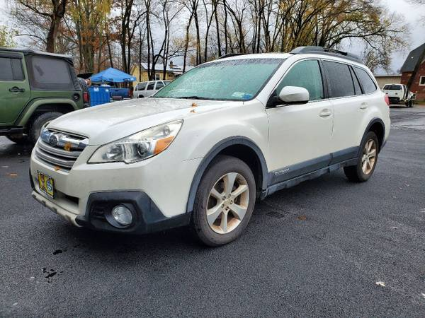 Photo 2014 Subaru Outback 2.5i Limited AWD  Leather, Heated Seats, Sunroof - $7,995 (New HtonMiddletown)