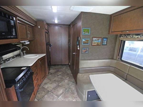 Photo 2014 Thor ACE 27.1 with Full Solar - $65,000 (Middletown)