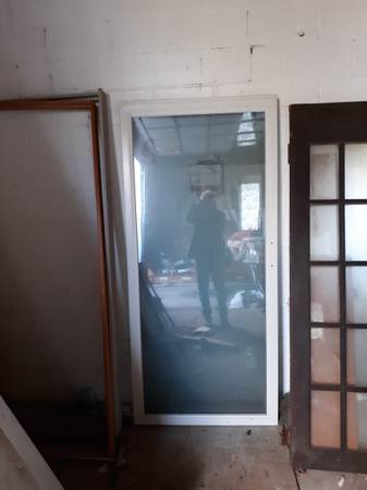Photo 2 anderson sliding glass doors 36 wide white - $200 (Westtown)