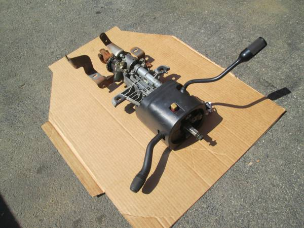 Photo 92-97 ford f150 f250 f350 truck steering column - $150 (kingston ny (ulster county)