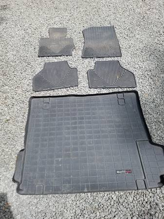 Photo BMW X3 Cargo  Floor Mats - $75 (Red Hook)