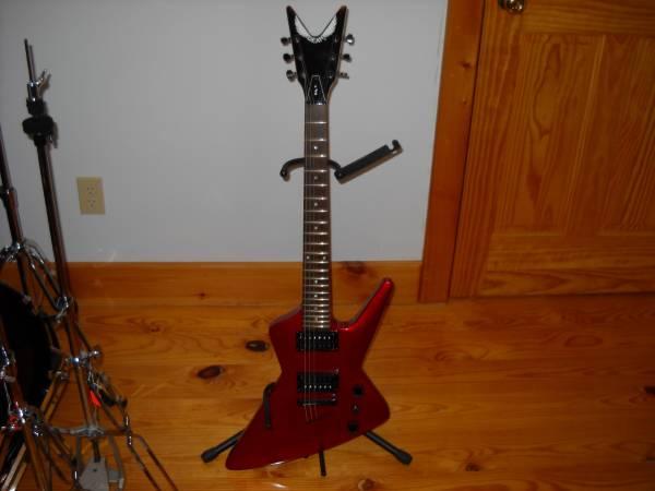 Photo Brand New Metallic Red Dean Baby Z - $400 (Kerhonkson)