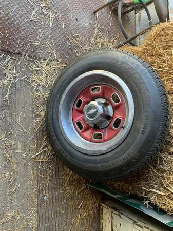 Photo Chevy Rally Wheels - $300 (Middletown)