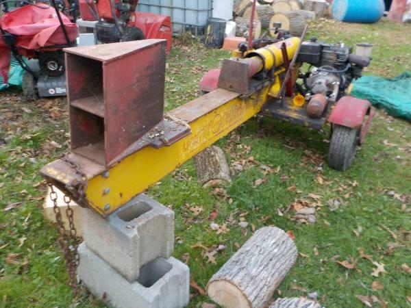 Photo Classic 1959 Lickity Log Splitter - $900 (Wallkill)