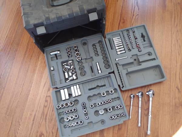 Photo Craftsman Mechanics Socket Set  Molded Toolbox - $40 (Poughkeepsie)