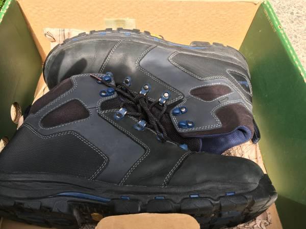 Photo Danner Vicious Non Metallic Toe Work Boots - $80 (Monroe)