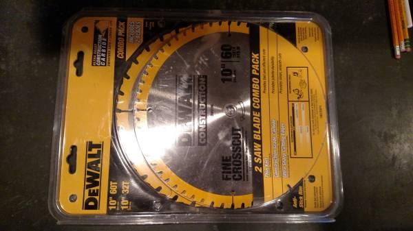 Photo Dewalt 10 inch saw blades 2 pack - $35 (Beacon)