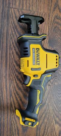 Photo Dewalt Xtreme 12v Max Brushless One-Handed Reciprocating Sawzall (Too - $85 (Elizaville)