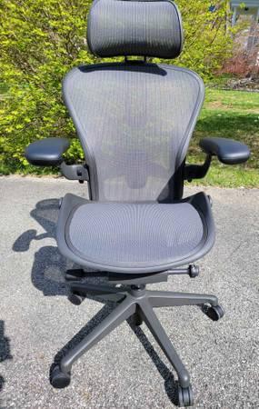 Photo Herman Miller Aeron Remastered Granite Posturefit Size B Chair - $1,200 (Town of Poughkeepsie)