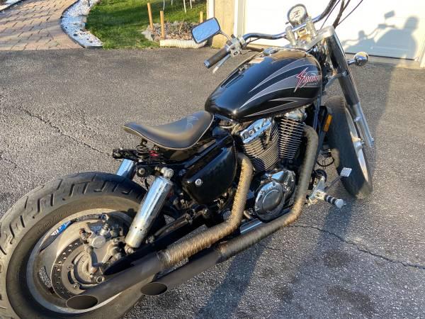 Photo Honda shadow 1100 bobber - $3,300 (Marlboro NY)