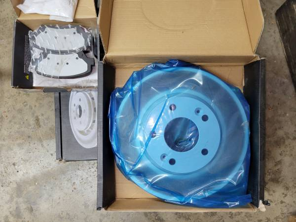 Photo Hyundai KIA Front brake pad and rotor kit - BRAND NEW - $80 (Hopewell Junction, NY)