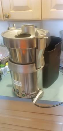 Photo JUICER (COMMERCIAL) - $1300 (Hopewell junction)
