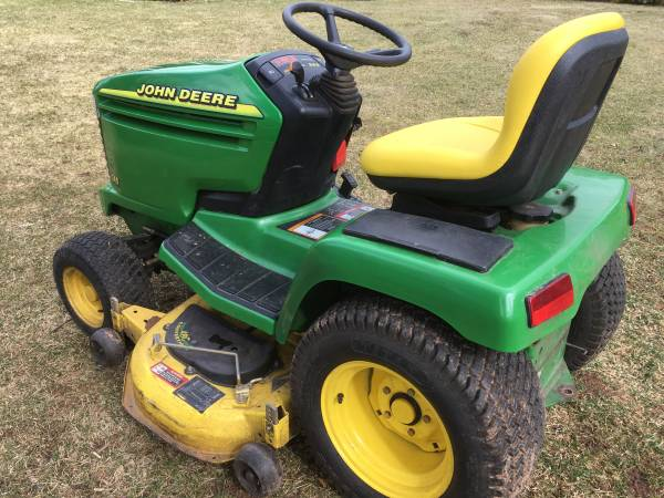 Photo John deere tractors 345-455. X, GT, GX - $1 (CT)