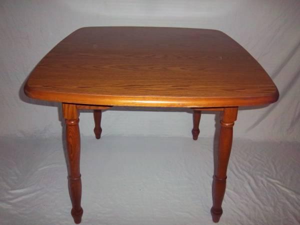 Photo KITCHEN TABLE  CHAIRS - $140 (CORTLANDT MANOR)