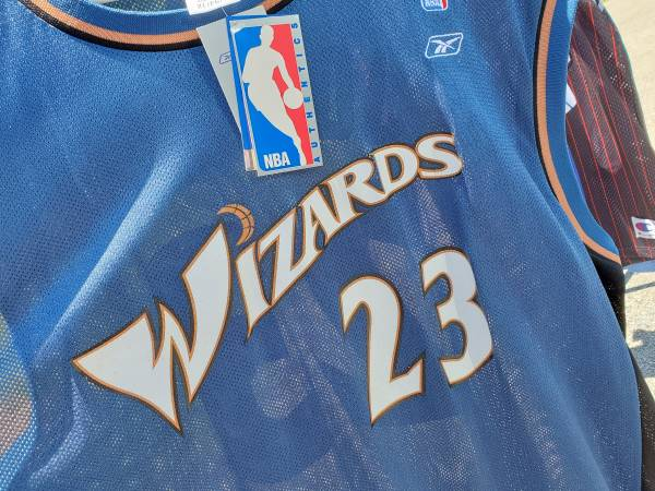 Photo Michael Jordan Authentic Washington Wizards Blue NBA Jersey XL - $75 (Poughkeepsie)