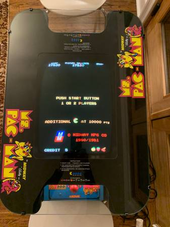 Photo Ms Pac-Man cocktail table - $1,400 (Congers)