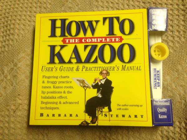 Photo New kazoo with how to play book - $20 (Rockland County)