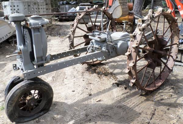 Photo OLD TRIKE FARM TRACTOR FOR PARTS - $250 (SAUGERTIES NY)