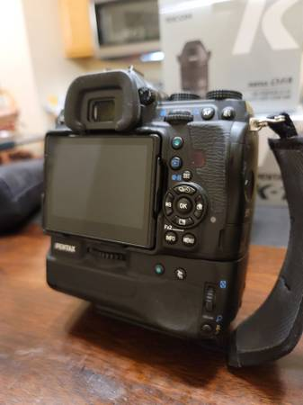 Photo Pentax K1 Mark I camera body with battery grip - Mint condition - $1,300 (Wappinger Falls)
