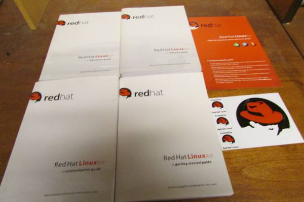 Photo Red Hat Linux 8.0 Professional Operating System - $10 (Orange County)