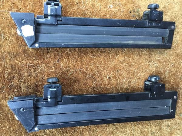 Photo Thule Ski Racks (2 pairs) - $60 (putnam Valley)