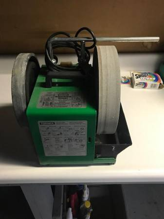 Photo Tormek SuperGrind 2000 Wet Grinding Machine - $250 (Fishkill, NY)