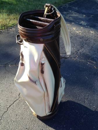Photo Vintage 1970s Burton leather golf club bag - $79 (Wallkill)
