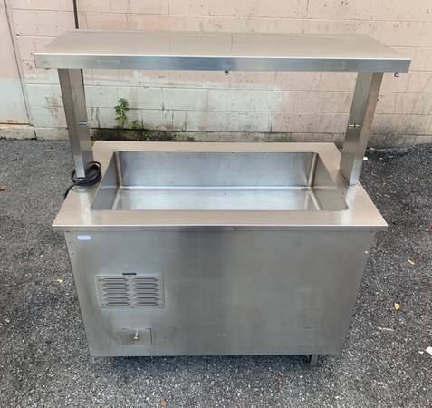 Photo Vollrath Stainless Steel Refrigerated Cold Station Portable Salad Bar - $750 (Wappingers Falls)