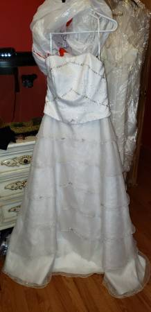 Photo Wedding dresses - $50 (Poughkeepsie)