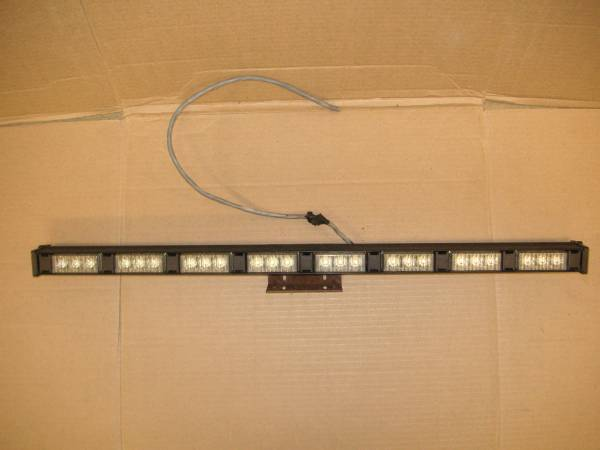 Photo Whelen Traffic Adviser 8 Head LED Light Stick - $75 (Hopewell Junction)