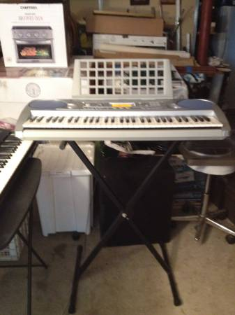 Photo YAMAHA PORTATONE ELECTRIC PIANO MOD. PSR-275  STAND GREAT CONDITION (ROCKLAND COUNTY NEW YORK)