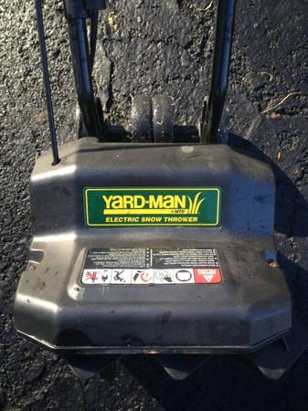 Photo Yard-Man quotMTDquot Electric Snow Thrower-like new - $125 (12589)