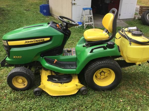Photo deere x540 26 hp garden tractor with sprayer - $3,500 (narrowsburg)