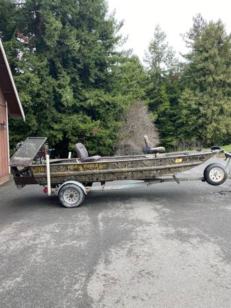 Photo 16 foot Flat Bottom War Eagle Duck Boat - $8,500 (Fortuna)