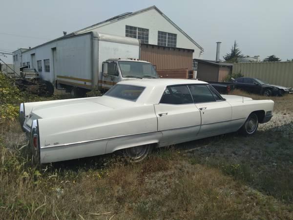 Photo 1967 Cadillac Fleetwood - $7,000 (Eureka)
