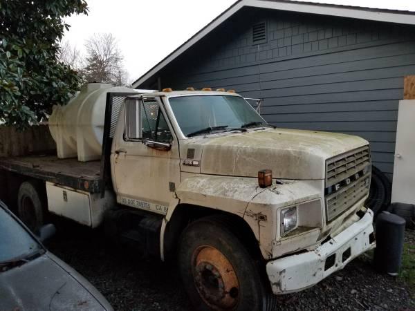 Photo 1981 Ford F-700 7.8l Diesel needs easy repair - $1000 (Arcata)