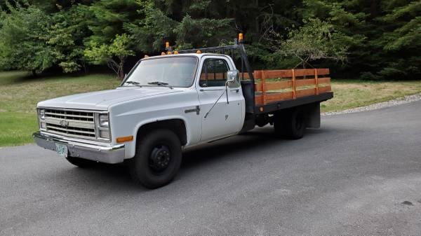 Photo 1986 Chevrolet C30 Flat Bed Truck - $4,500 (Crescent City)