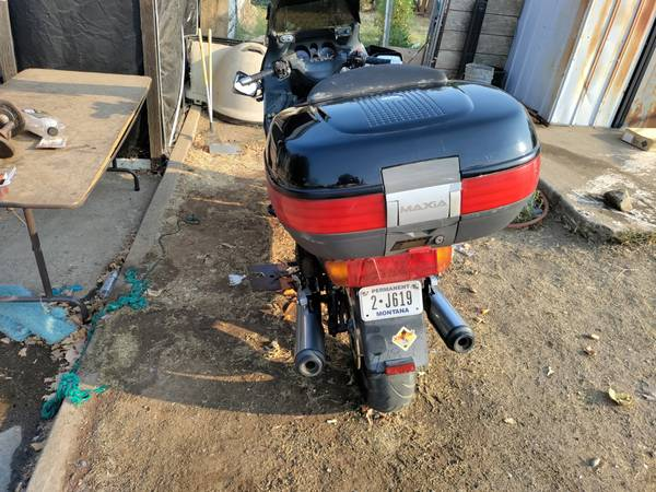 Photo 1991 Honda Goldwing 1100 motorcycle for sale - $800 (Oroville)