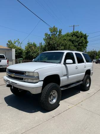 Photo 2000 Chevy Tahoe Lifted - $5,500