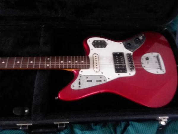 Photo 2002 Japanese Fender Jaguar w Hardshell Case - $1,000 (Arcata)