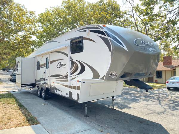 Photo 2014 Cougar By Keystone 34FT Triple Slide Out Polar Package - $24,500 (Fairfield)