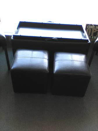 Photo 2 leather chairs and ottoman with stools (Fortuna)