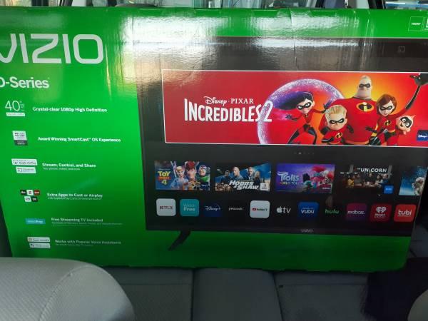 Photo 40quot Vizio smart TV - $250 (Fortuna)