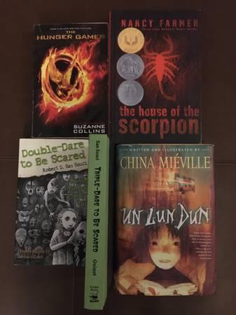 Photo 5 great preteen  teen not too scary books - $5 (Arcata)