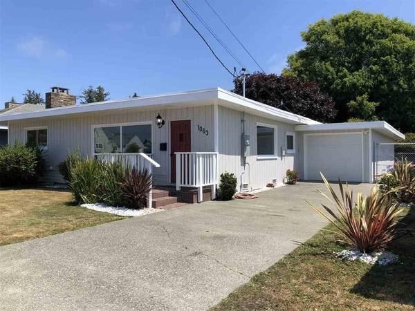 Photo Beautiful 3 beds and1.5 bath for rent (Crescent City)