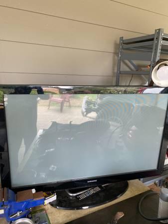 Photo Big screen tv - $20 (Arcata)